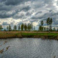 Тучи плывут над озером :: Милешкин Владимир Алексеевич