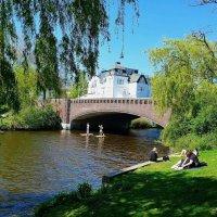 Гамбург. Отдых майским днём на озере Альстер :: Nina Yudicheva