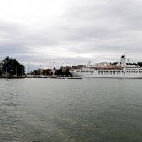 на выходе из порта :: Сергей