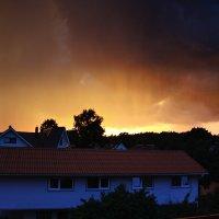 Закат в ненастье :: Виктор _