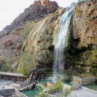 Предновогодний душ по иордански. :: юрий