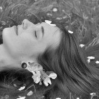 Lady In Blossom :: Алеся Пушнякова