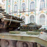 Танки у Зимнего дворца :: Валерий Смирнов