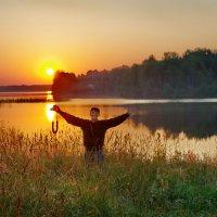 Какой восход!Душа радуется. :: Валерий Талашов