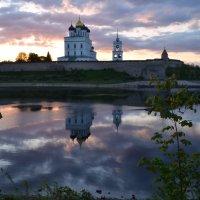 Утро на реке Великой :: Наталья Левина