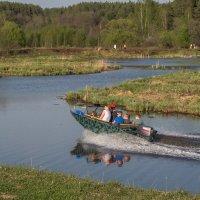 по реке :: Сергей Цветков