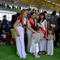 Многодетные мамы на празднике. :: Владимир Болдырев