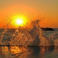 Стихия морского пожара... :: Александр Бойко