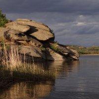 камни и озеро. :: Елена Тренкеншу
