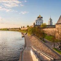 Новенькая набережная :: Юлия Батурина