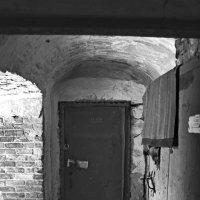 Была тюрьма...теперь квартиры. :: Ирина Нафаня