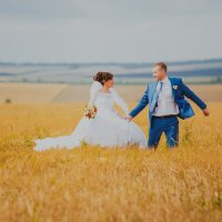 Влюбленные в пшеничном поле :: Екатерина Бубнова