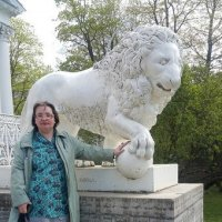 Скульптупа льва у Елагина дворца. (Санкт-Петербург) :: Светлана Калмыкова