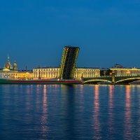 разведенный Троицкий мост :: Valerii Ivanov
