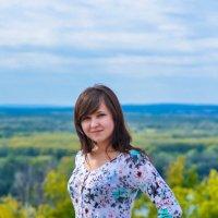 На фоне летнего пейзажа :: Сергей Тагиров