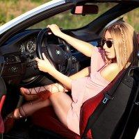 Девушка за рулем :: Виктория Бенедищук