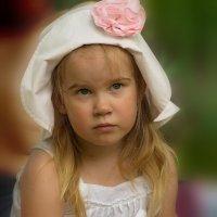 СУрьезная девушка. :: kolin marsh