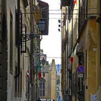 Будни флорентийского переулка :: M Marikfoto