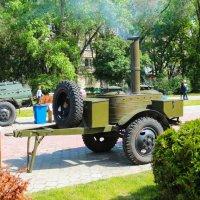 Приготовление армейской каши. :: Александр Марусов