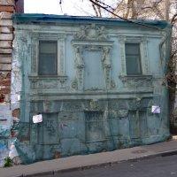 Дом с кариатидами (Печатников переулок, 7) :: Наталья Гусева