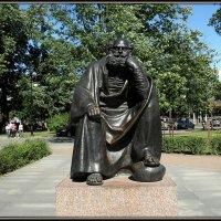 Скульптура небесного покровителя Петербурга Святого Петра. :: Вера