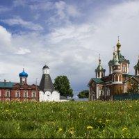 Храмы Брусенского монастыря, г. Коломна :: Юля Колосова