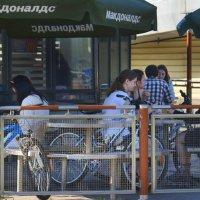 Обед велосипедистов :: Наталия П