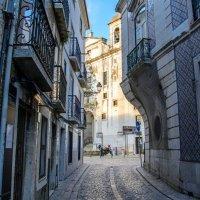На улочках Лиссабона :: Константин Шабалин
