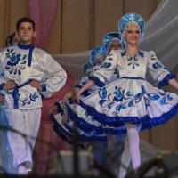 Народные танцы :: Валерий Лазарев
