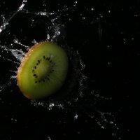 Сочный фрукт... Киви :: Светлана Курцева