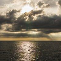 Закат на море :: Николай