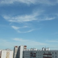 Майские облака прощаются с Москвой :: Валерий