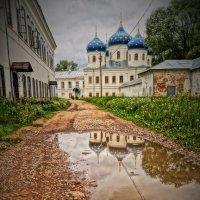 Отражение Юрьева монастыря :: Ирина Шурлапова