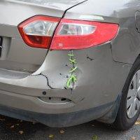 Автомобиль поцарапался :: Наталия П