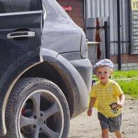 Шел высокий человек,маленького роста! :: A. SMIRNOV