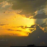закат перед грозой :: Юрий Владимирович