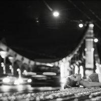 Самое непростое в жизни — понять, какой мост следует перейти, а какой сжечь... :: Алексей Латыш