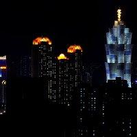 Ночной Пхеньян :: Дмитрий Айбазов