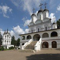 Преображенская церковь со звонницей :: serg Fedorov