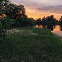 Закат за поворотом реки :: Ирина Приходько