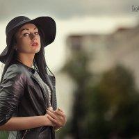 Девушка в шляпе :: Георгий Греков