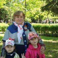 Мама и племяницы :: Вячеслав Ткаченко