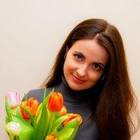 Первые тюльпаны :: Юрий Шапошник