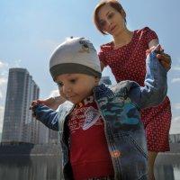 Находчивый мальчик и активная мама :: Виктория Многогрешнова