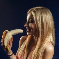 Banana :: Denis Doronin
