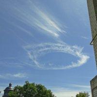 Снилось мне: по притихшему городу проплывало медленное облако.. :: Elena N
