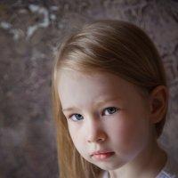 взрослый взгляд совсем ещё юного ребенка :: Оксана Циферова