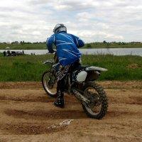 мотоциклист :: елена