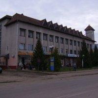 Административное  здание  в  Богородчанах :: Андрей  Васильевич Коляскин