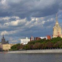Сталинские высотки. :: Oleg4618 Шутченко